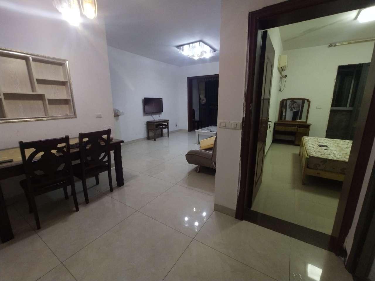 新城两室一厅精装房屋出租