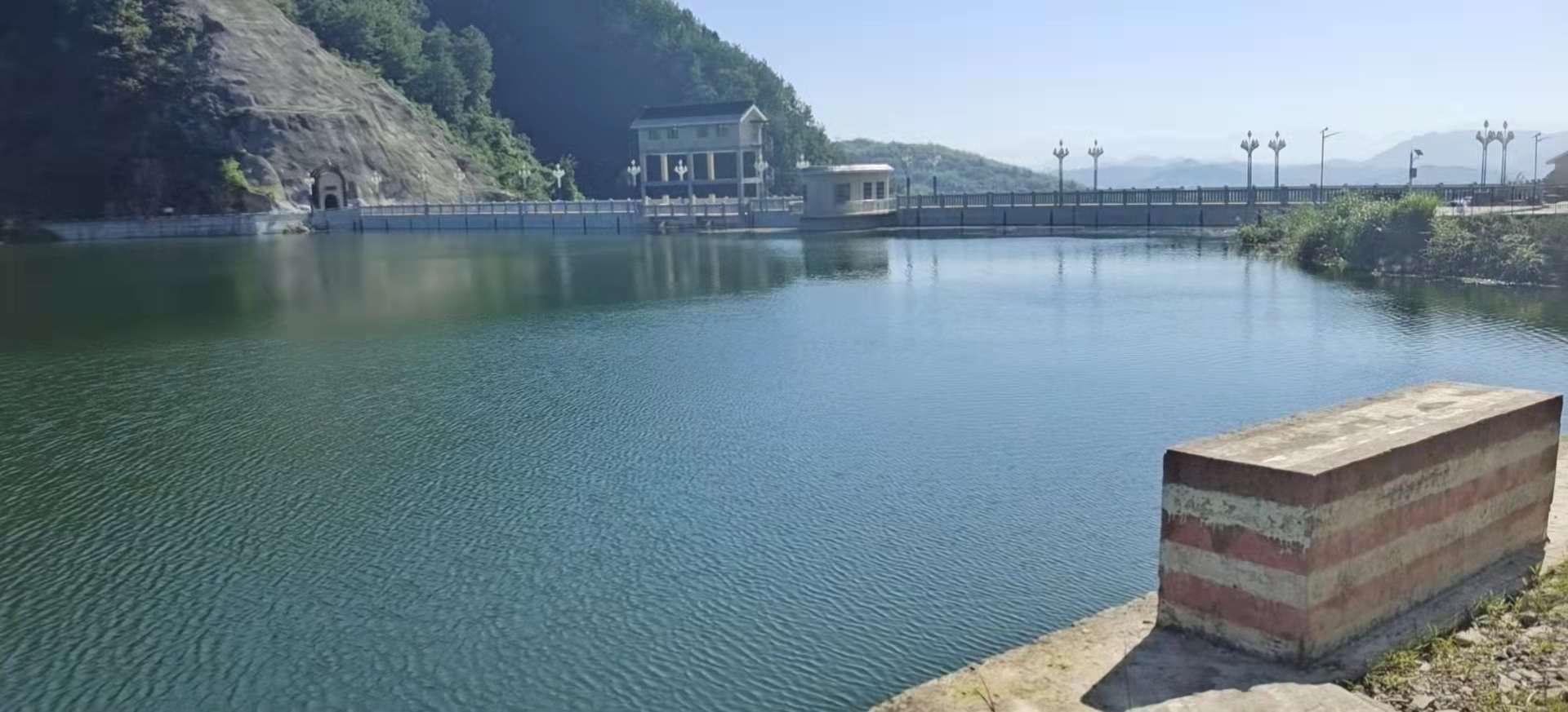 几场大雨过去,左柏水库蓄满水了